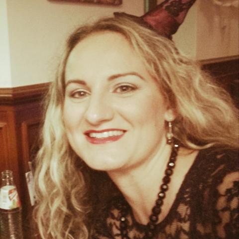 Móni, 34 éves társkereső nő - Dunaújváros