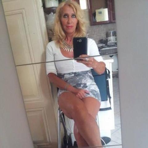 Erika, 54 éves társkereső nő - Budapest