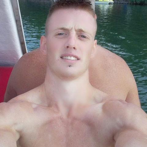 Márk, 23 éves társkereső férfi - Pécs