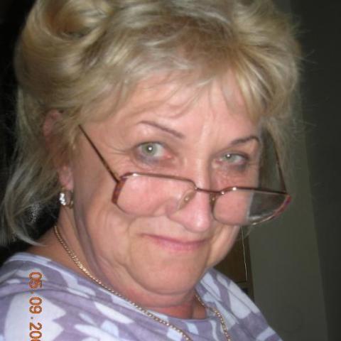 Valéria, 71 éves társkereső nő - Dunakeszi