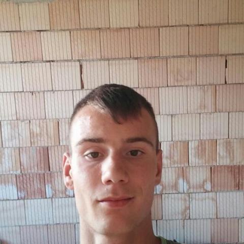 Andras, 25 éves társkereső férfi - Nagykanizsa