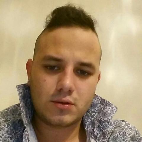 Széder Richie, 24 éves társkereső férfi - Paks