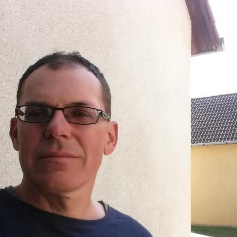 keres férfi 55 éves