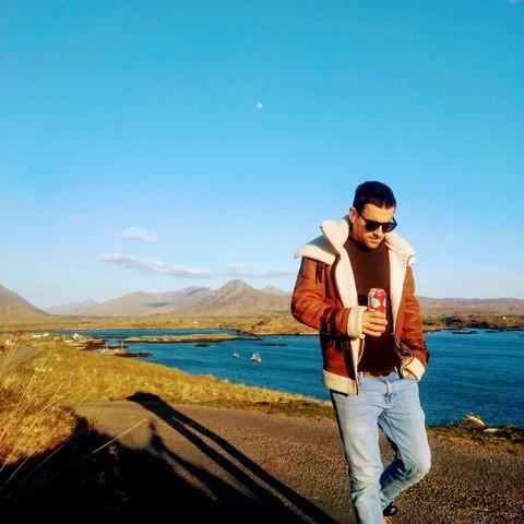 Zoli, 30 éves társkereső férfi -