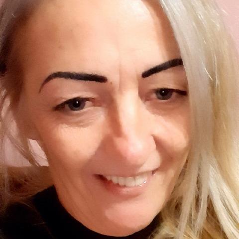 Ildikó, 48 éves társkereső nő - Miskolc