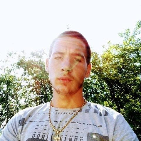 András, 20 éves társkereső férfi - Cegléd