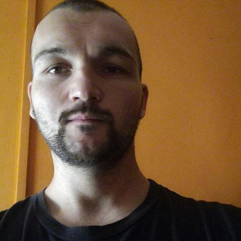 Tibor, 28 éves társkereső férfi - Székesfehérvár