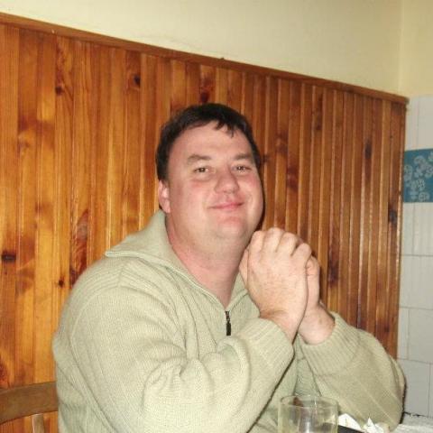 Tamás, 46 éves társkereső férfi -