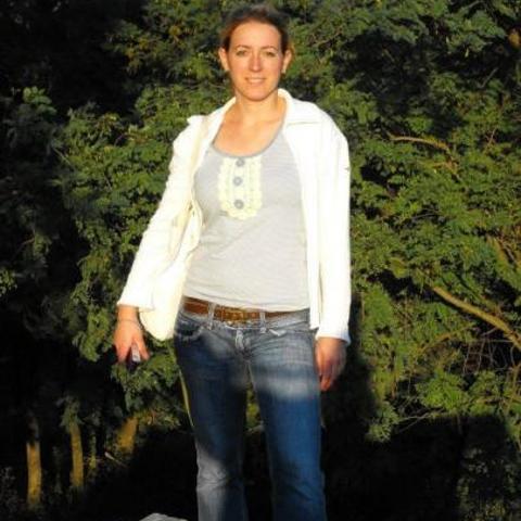 Krisztina, 40 éves társkereső nő - Szolnok
