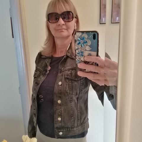 Erika, 63 éves társkereső nő - Székesfehérvár