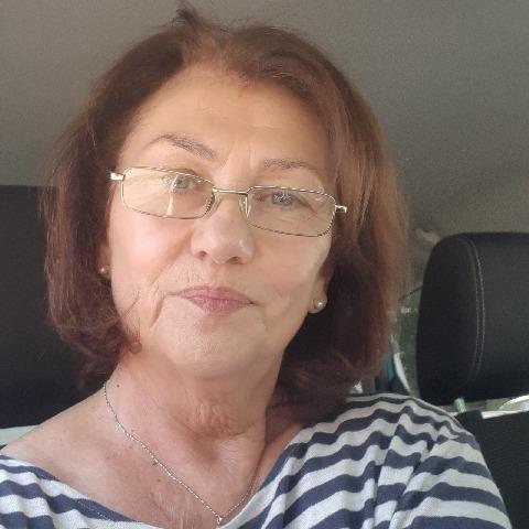 Julianna, 67 éves társkereső nő - Veresegyház