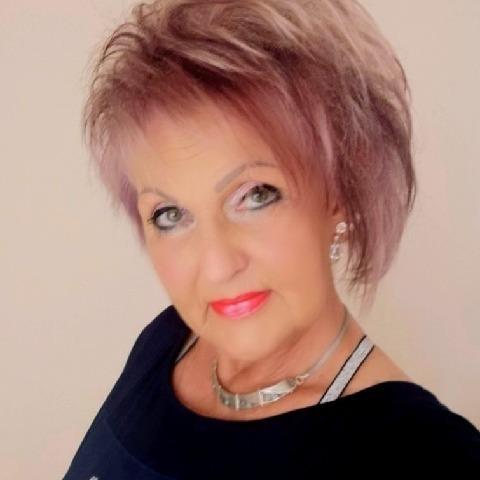 Judit, 66 éves társkereső nő - Debrecen