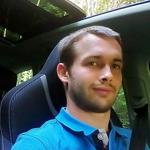 Pèter, 28 éves társkereső férfi -