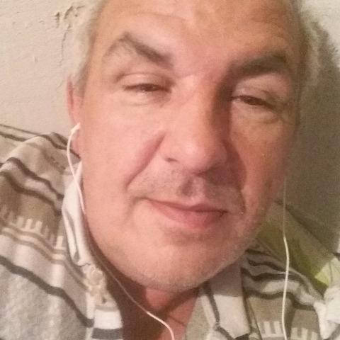 Gyula, 53 éves társkereső férfi - Miskolc