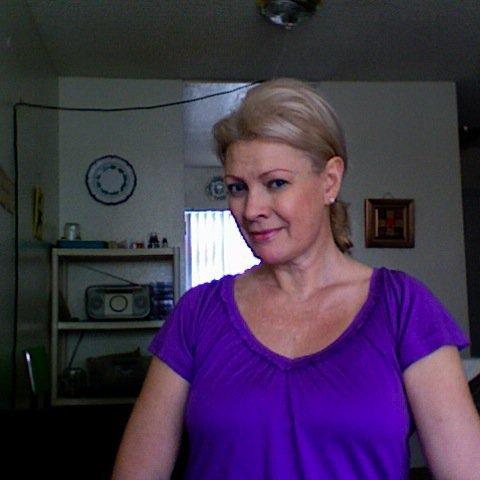 Csilla, 55 éves társkereső nő - CLECKHEATON