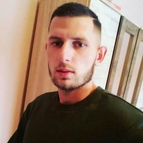 Dávid, 22 éves társkereső férfi - Miskolc