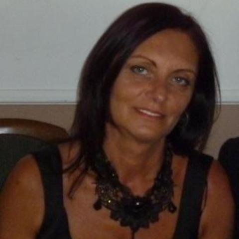 Rozál, 53 éves társkereső nő - Csévharaszt