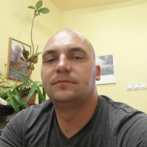 Tomi, 39 éves társkereső férfi - Debrecen