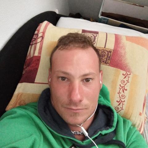 Tomi, 29 éves társkereső férfi - Dunajská streda