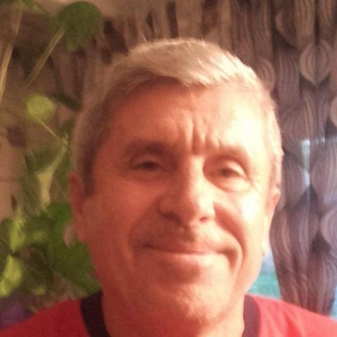 Toth, 27 éves társkereső férfi -