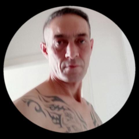 Laszlo , 51 éves társkereső férfi - Ózd