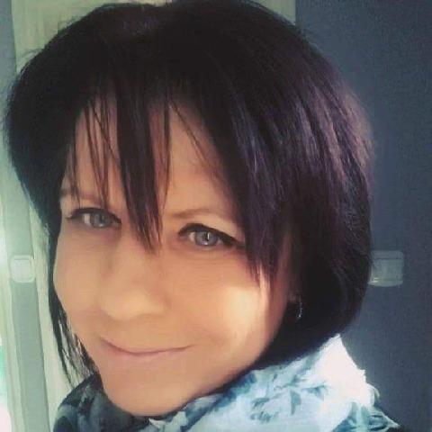 Marcsi , 52 éves társkereső nő - Százhalombatta