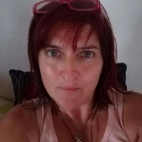 Eszti , 45 éves társkereső nő - Szekszárd