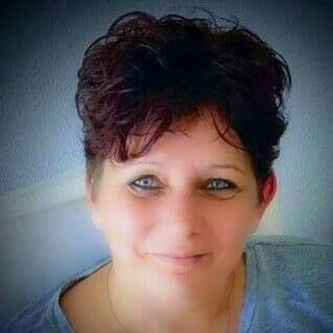 Edit, 46 éves társkereső nő - Szigetszentmiklós