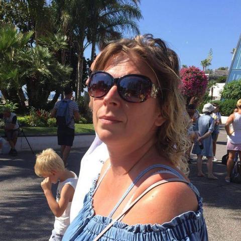Zsuzsa, 42 éves társkereső nő - Miskolc