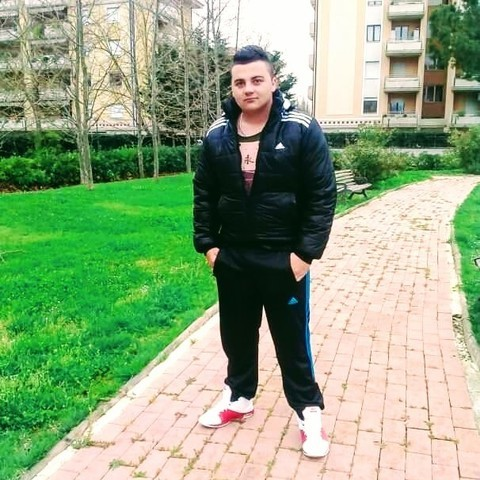 Andris, 23 éves társkereső férfi - Lázi