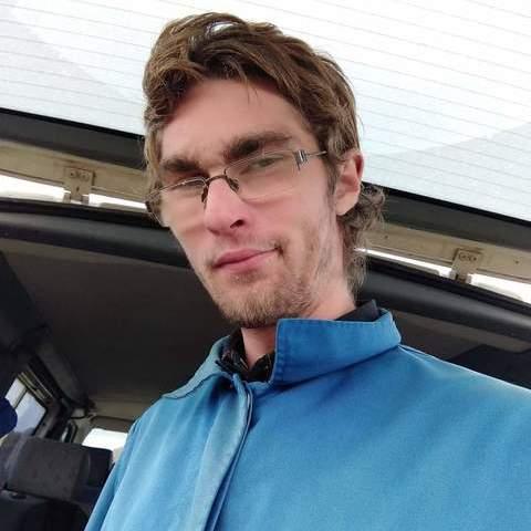 Péter Márk, 27 éves társkereső férfi - Orosháza