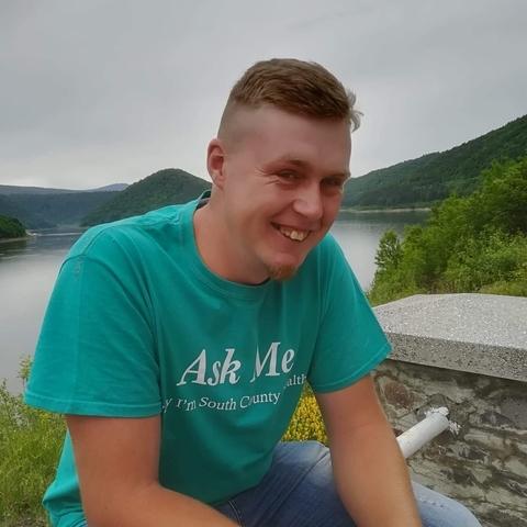Levente, 25 éves társkereső férfi - Gyergyocsomafalva