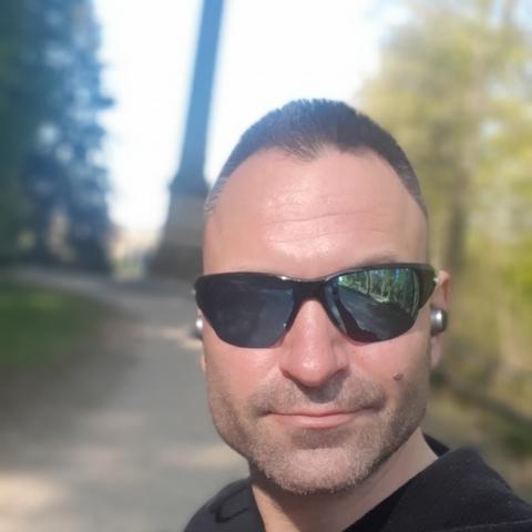 Imre, 40 éves társkereső férfi - Tiszaújváros