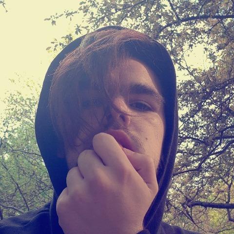Kristóf , 19 éves társkereső férfi - Debrecen