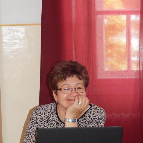 Ibolya, 63 éves társkereső nő - Salgótarján