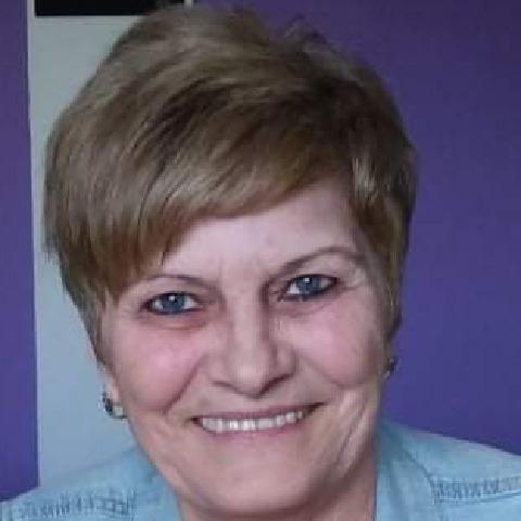 Ági, 65 éves társkereső nő - Mór