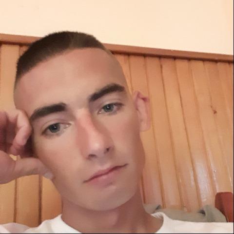 Csaba, 23 éves társkereső férfi - Girincs