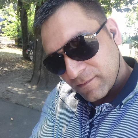 Alex, 39 éves társkereső férfi - Csorvás