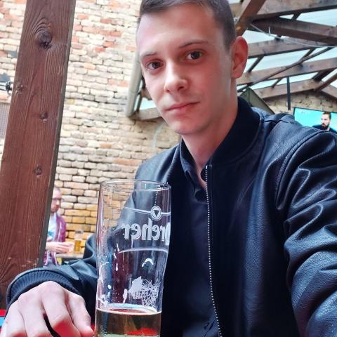 Gyuszika, 24 éves társkereső férfi - Dunaújváros