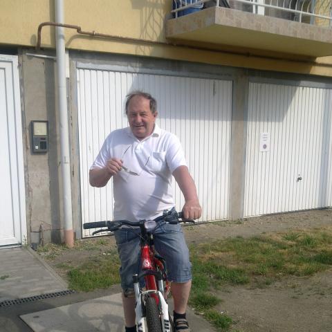 Istvan, 74 éves társkereső férfi - Szolnok