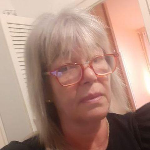 Andrea, 60 éves társkereső nő - Budapest