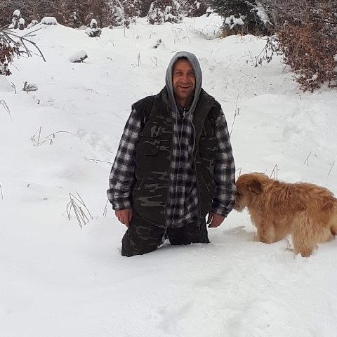 Zoltan, 42 éves társkereső férfi -