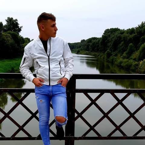 Renátó, 31 éves társkereső férfi - Pécs