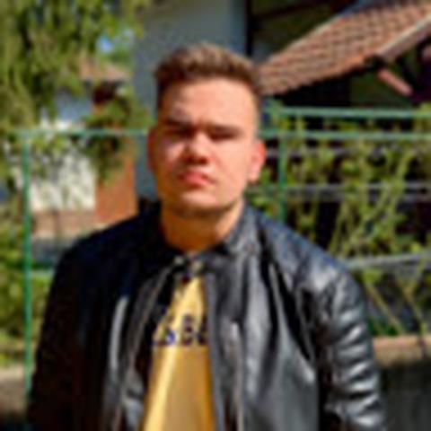 Balázs, 19 éves társkereső férfi - Miskolc