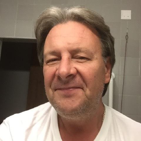 Laci, 53 éves társkereső férfi -