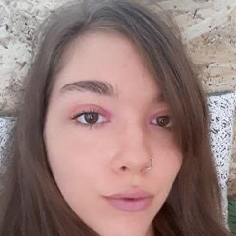 Andi, 22 éves társkereső nő - Veszprém