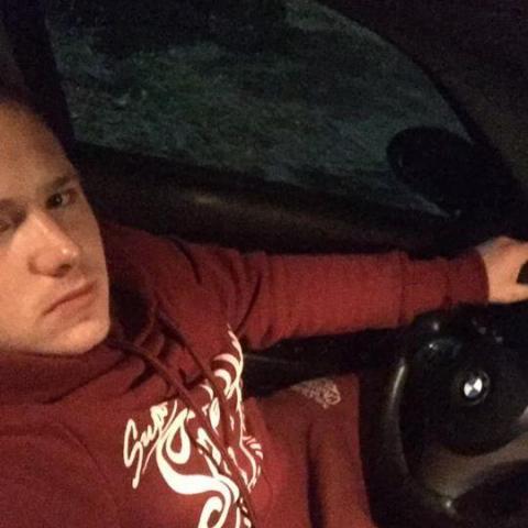 Arpad, 21 éves társkereső férfi - Zalaegerszeg