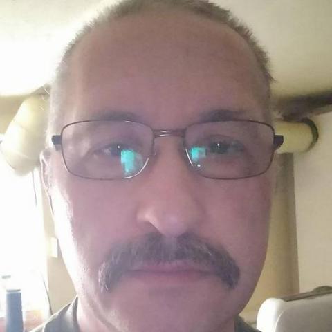 János, 55 éves társkereső férfi -