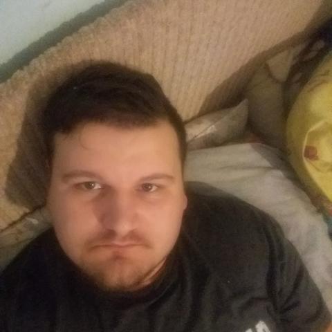 Attila, 25 éves társkereső férfi - Nagykónyi