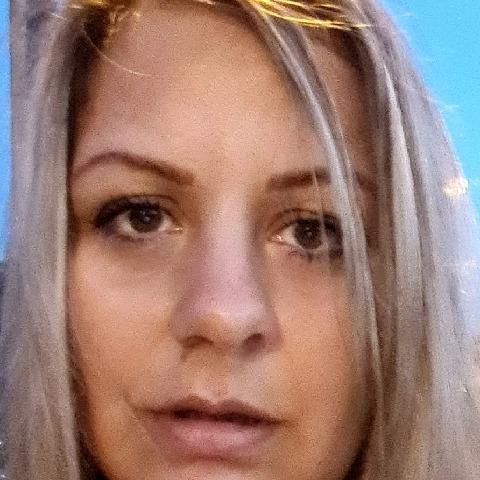 Kata, 37 éves társkereső nő - Százhalombatta